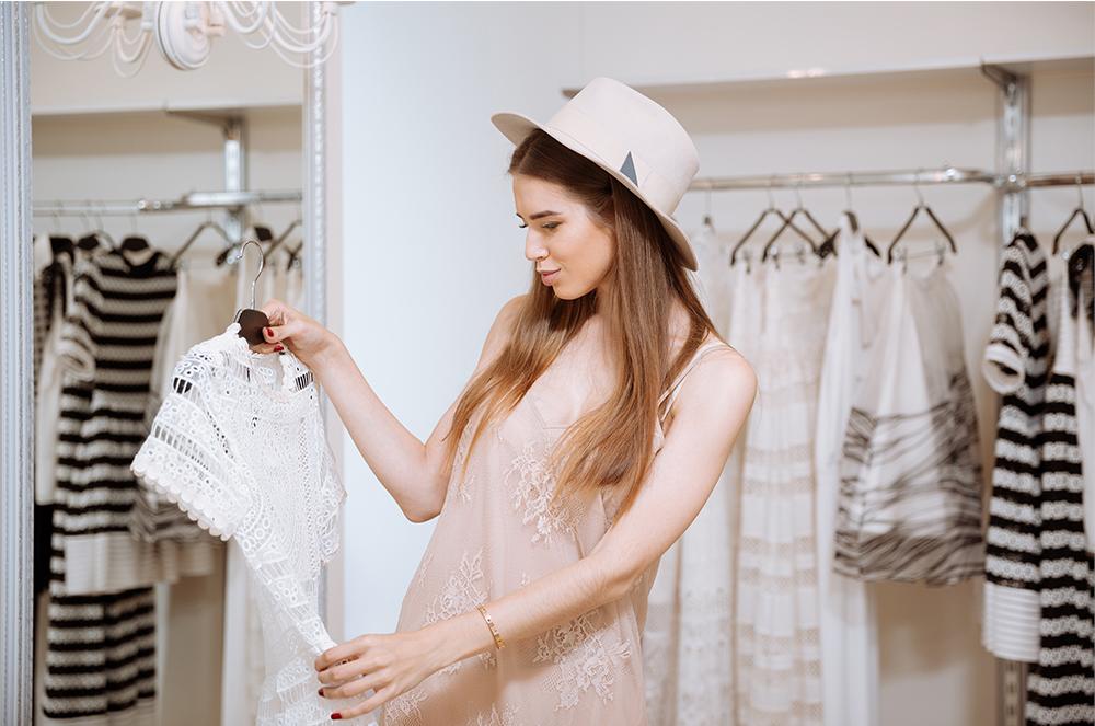 おしゃれさんが多いアパレル販売員!ファッションセンスを磨くために参考にしているのは?