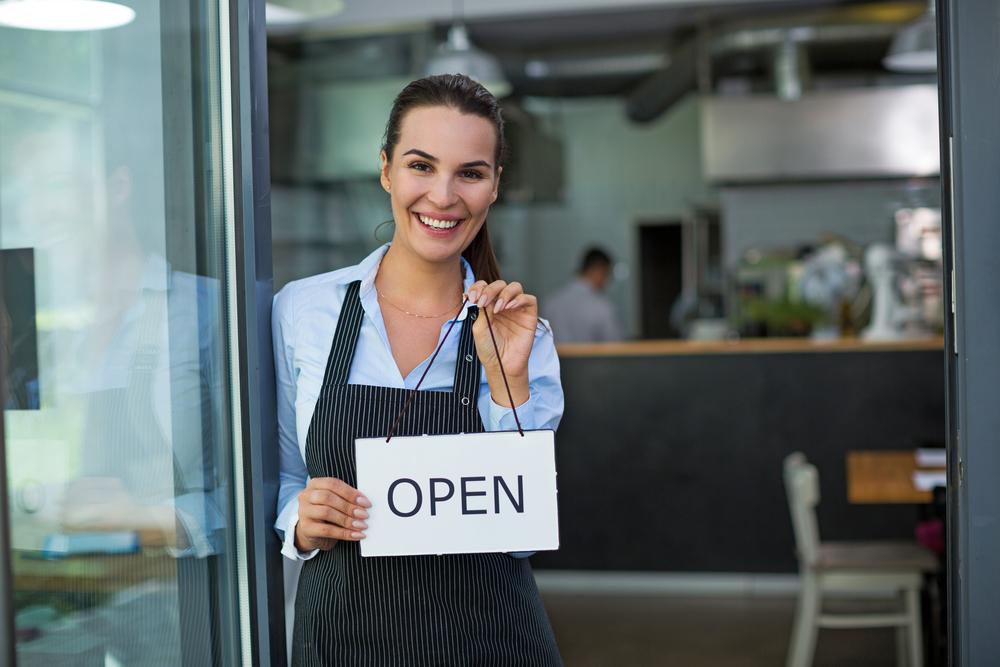 アパレルカフェ店員になるには? アパレルカフェのお仕事で求められることは?
