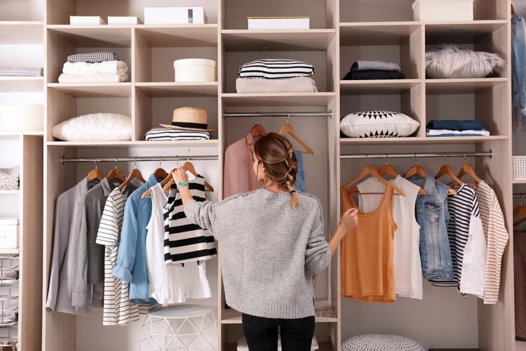 アパレル面接で他ブランドの服はNG?服装選びで意識すべきこと