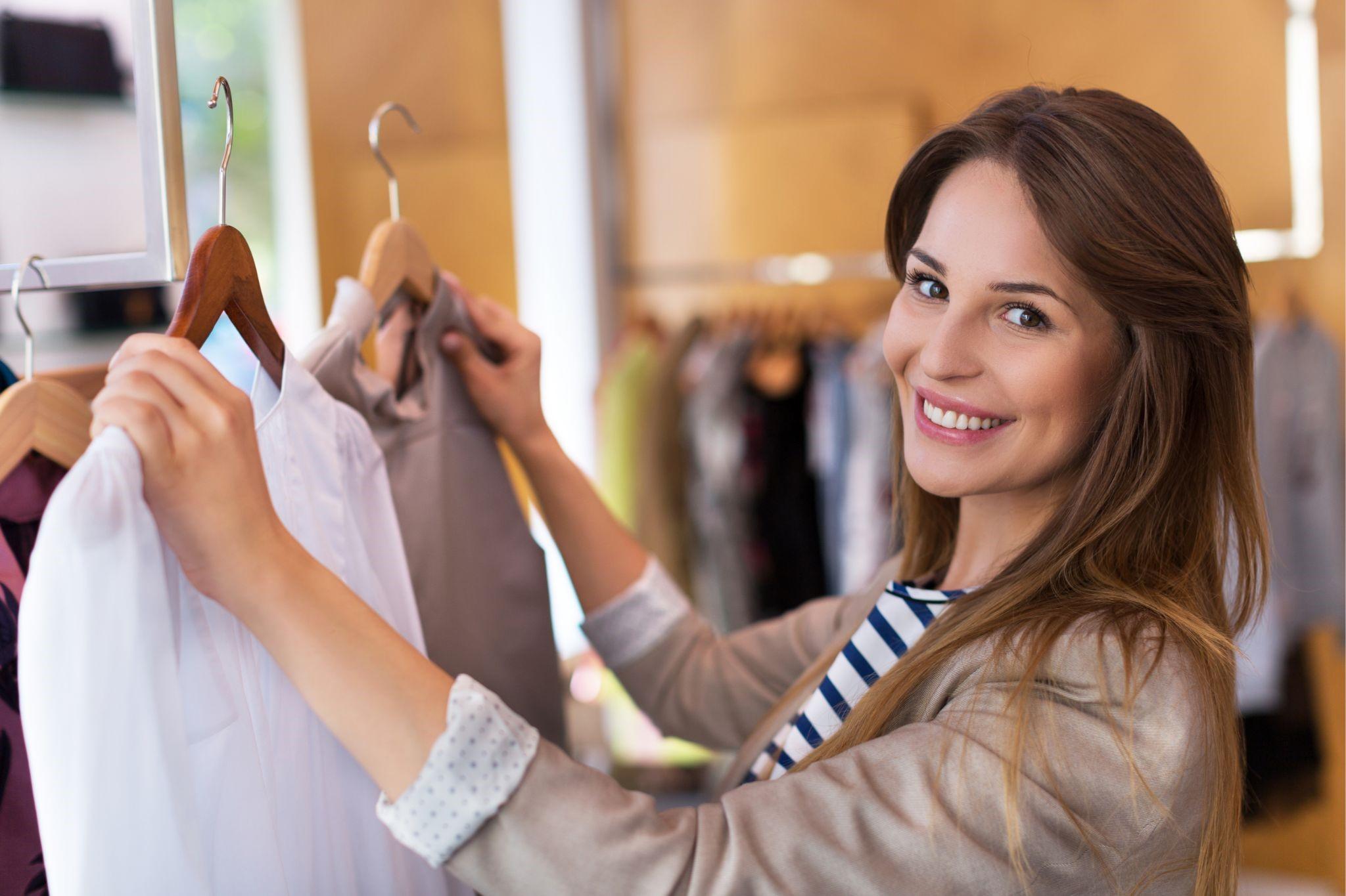 アパレル店員に同じ服はNG?洋服の購入周期や着用サイクルについて