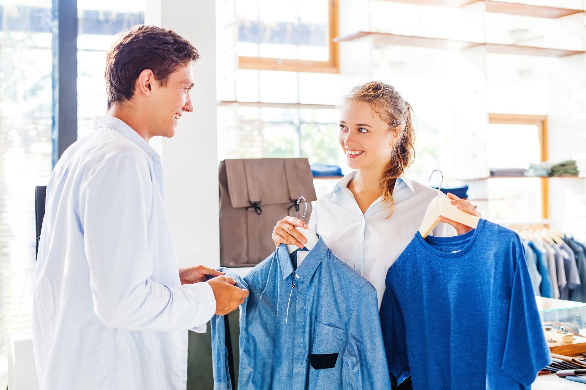 アパレル店員に学歴は関係ある?キャリアアップに影響は?